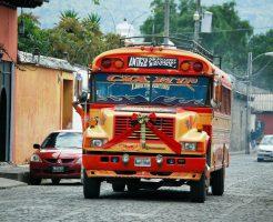 グァテマラのバス